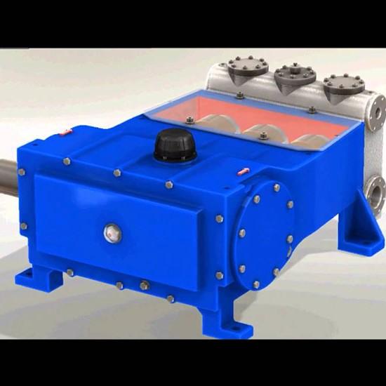 750X550_0014_pumpsTriplex3